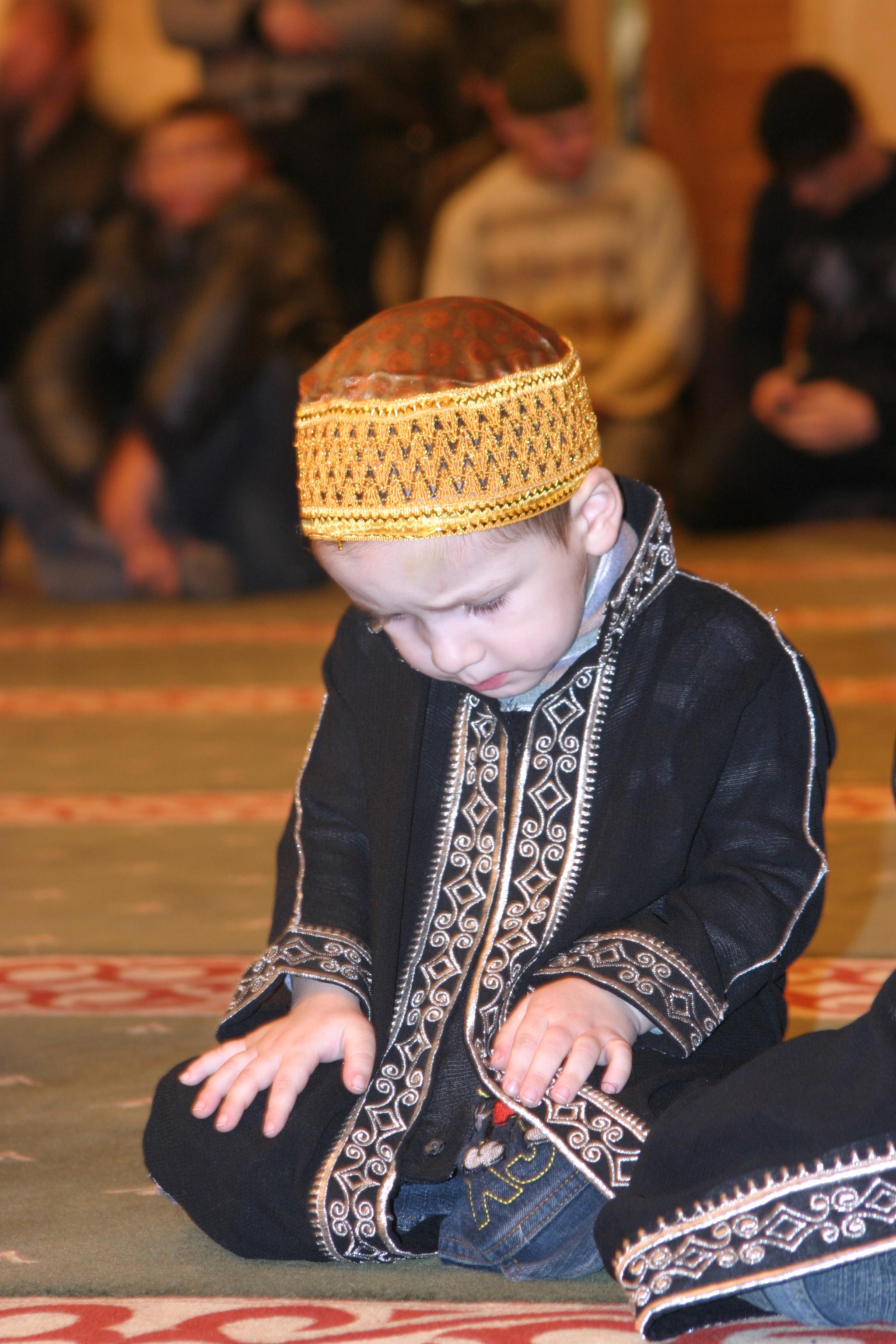 Чечня 2010, Грозный, Мальчик в мечети