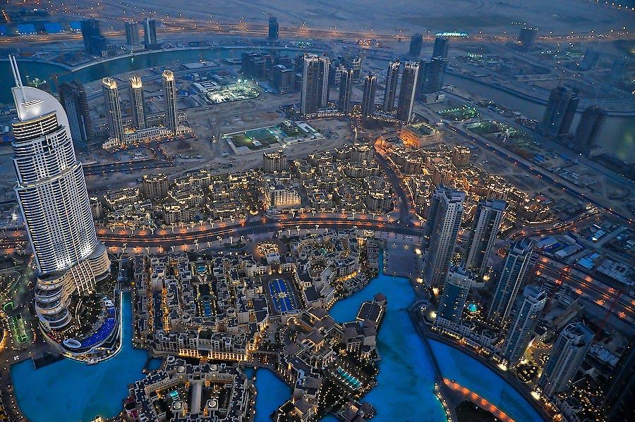 На высоте самого высокого здания в мире, Эмираты