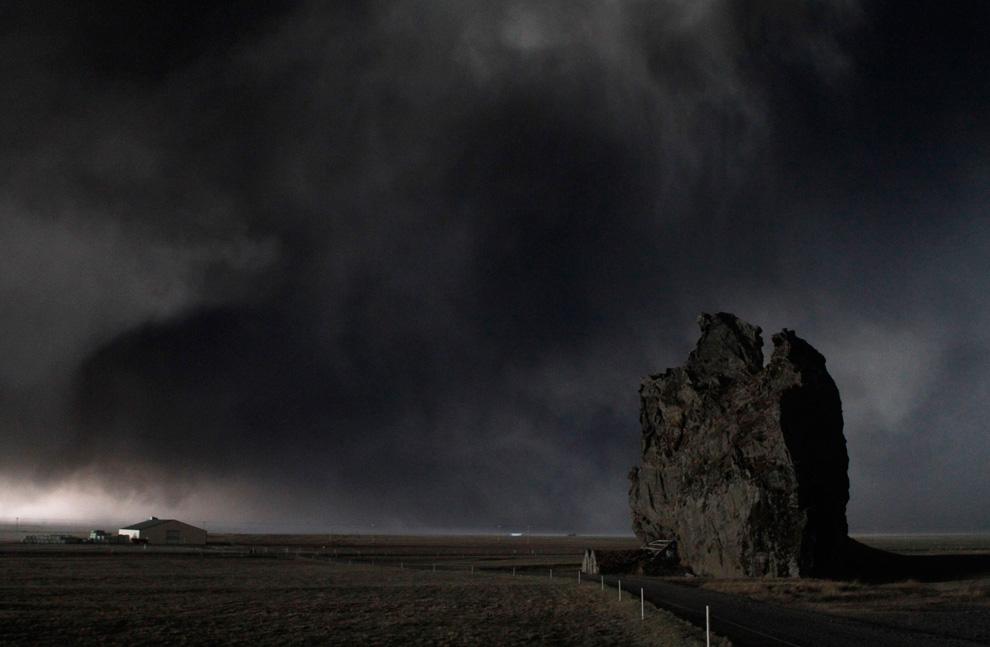 Вулкан в Исландии фото